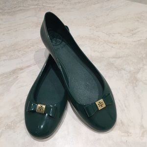 Tory Burch Green Flats Jelly Material